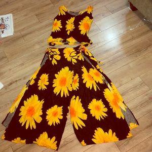 Unique sunflower 🌻 Swimsuit cover-up